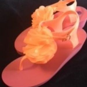 GAP sandals for wome